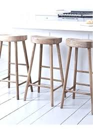 K/D stool with solid seat